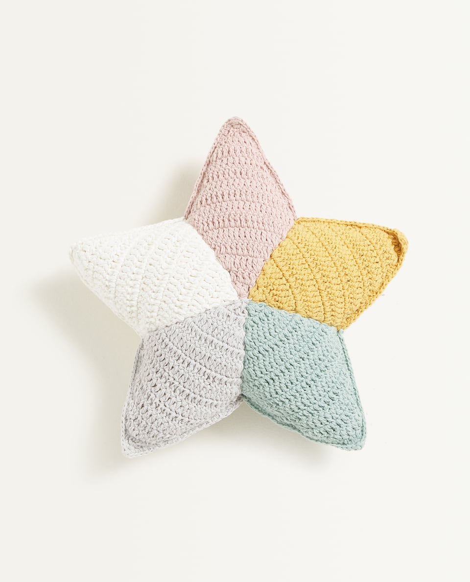 MULTICOLOURED STAR-SHAPED CROCHET CUSHION
