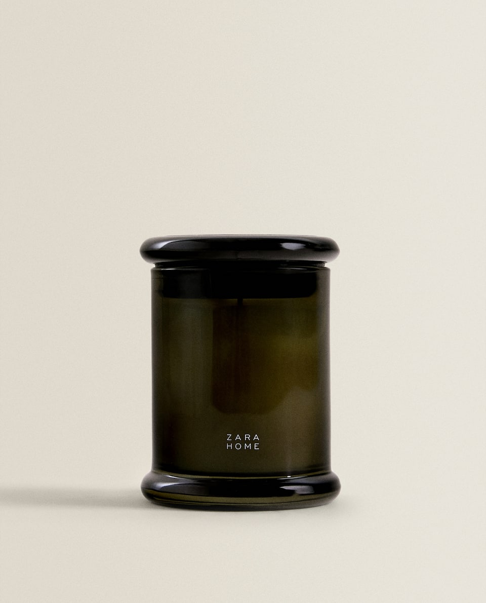 CEDAR WOOD SCENTED CANDLE