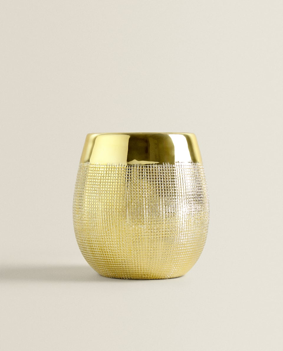 GOLDEN CANDLEHOLDER