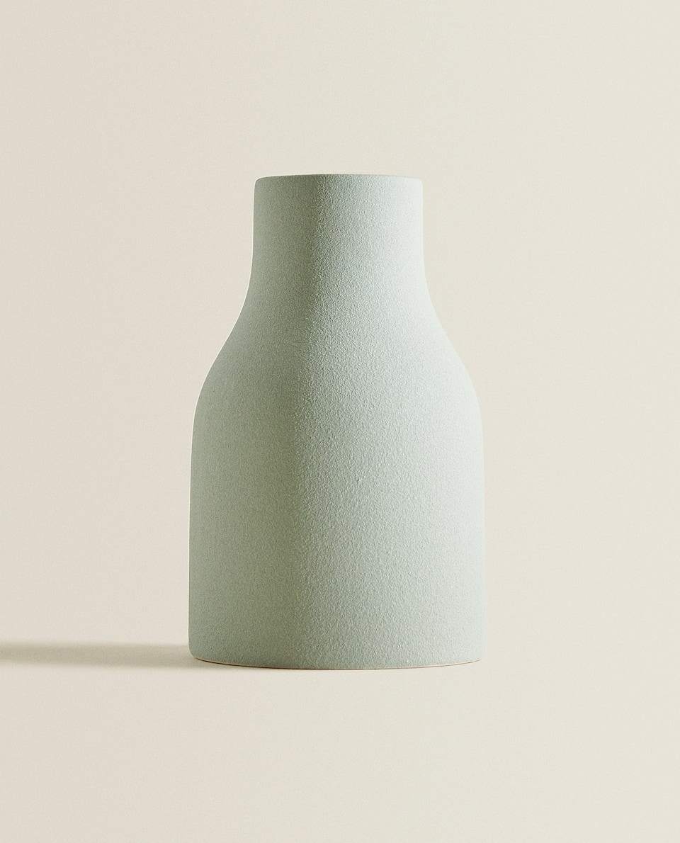 ROUGH-TEXTURED VASE