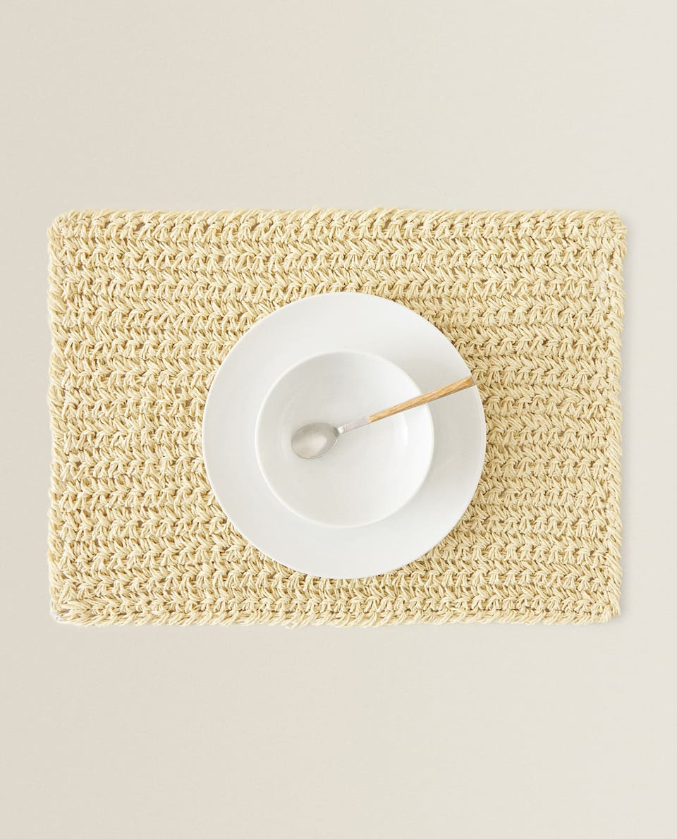 BRAIDED PAPER PLACEMAT