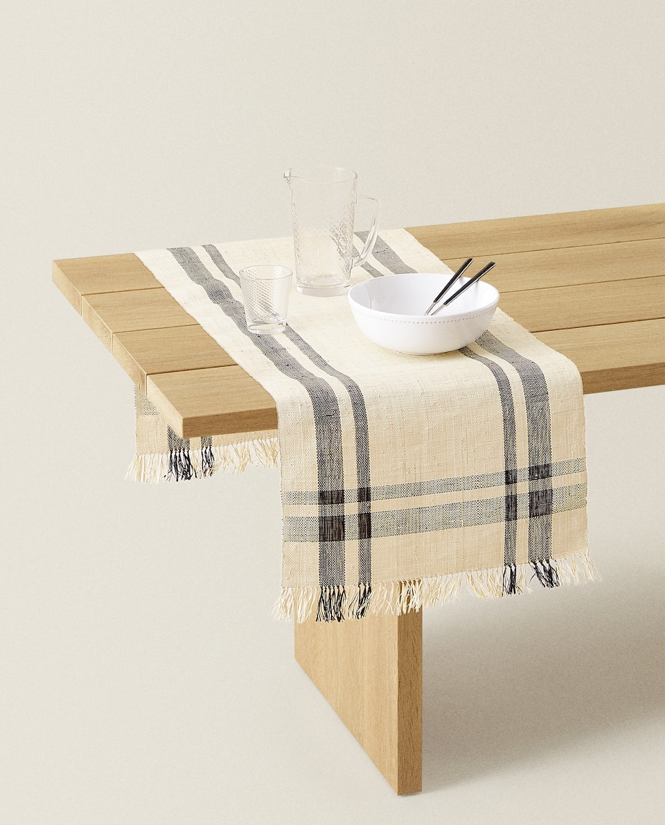 FIBRE TABLE RUNNER