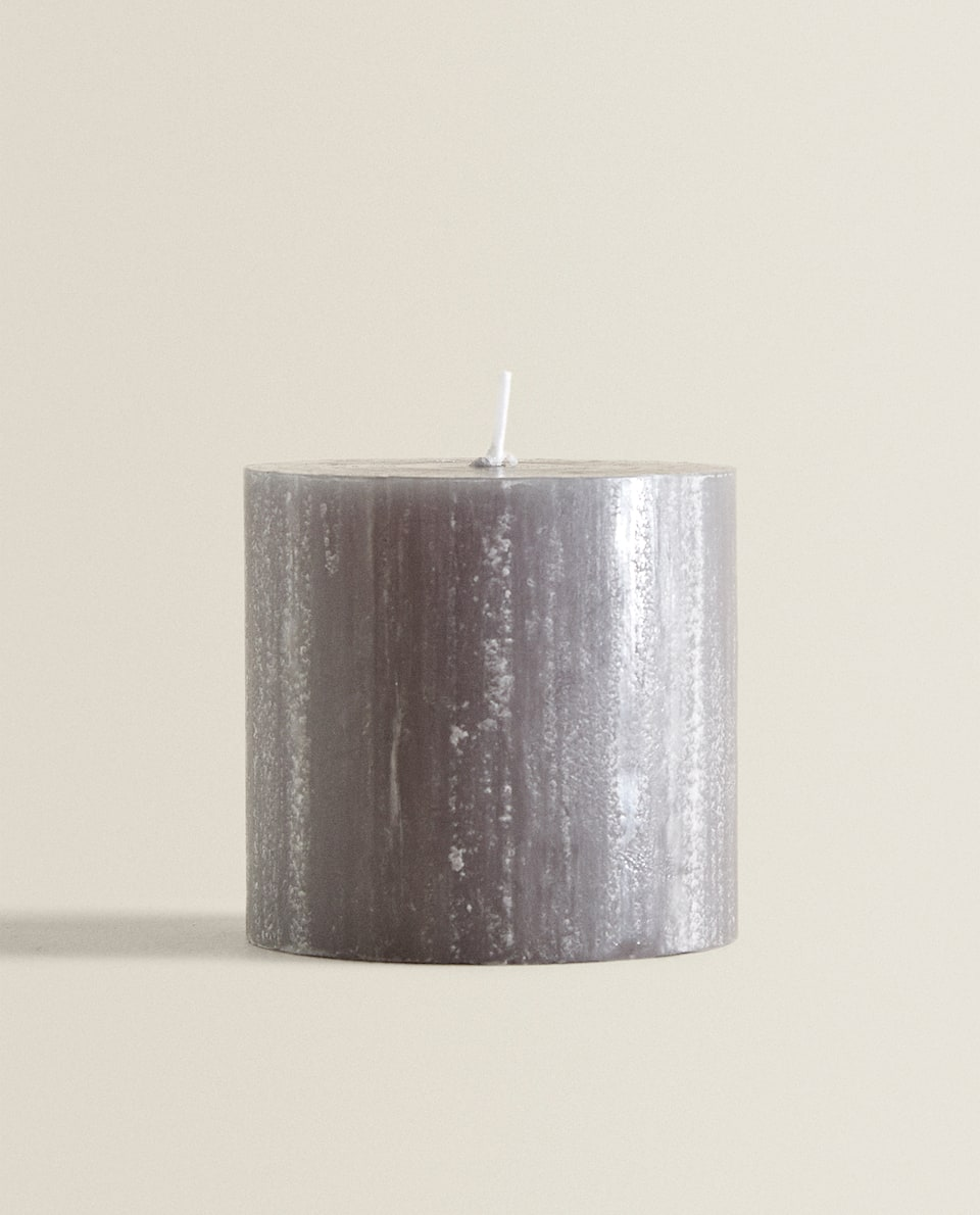 GREY CYLINDRICAL CANDLE