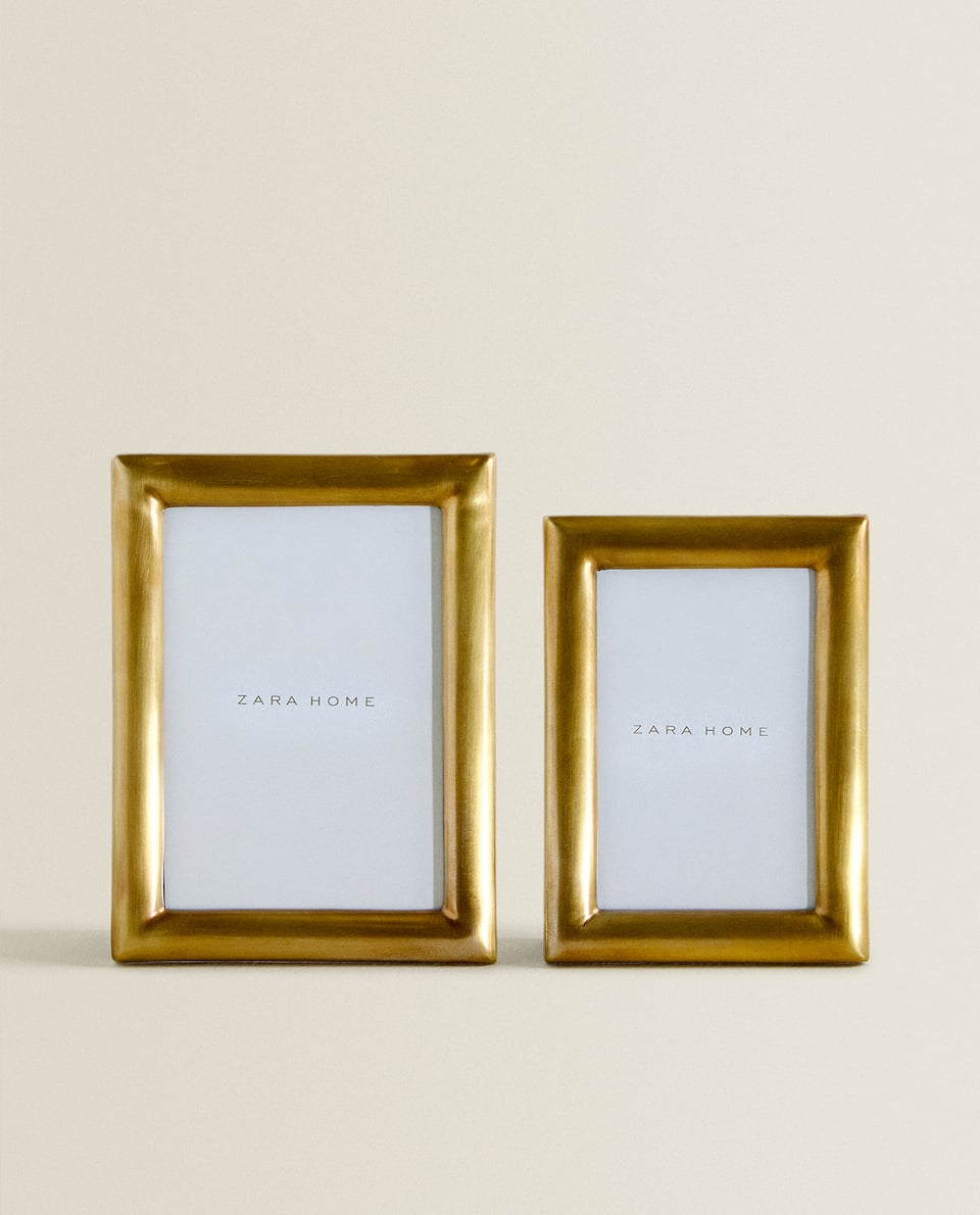 BRUSHED-EFFECT GOLD FRAME