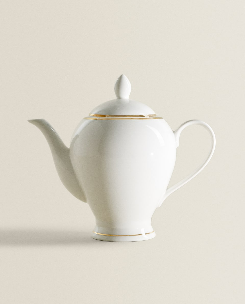 PORCELAIN TEAPOT WITH DESIGN