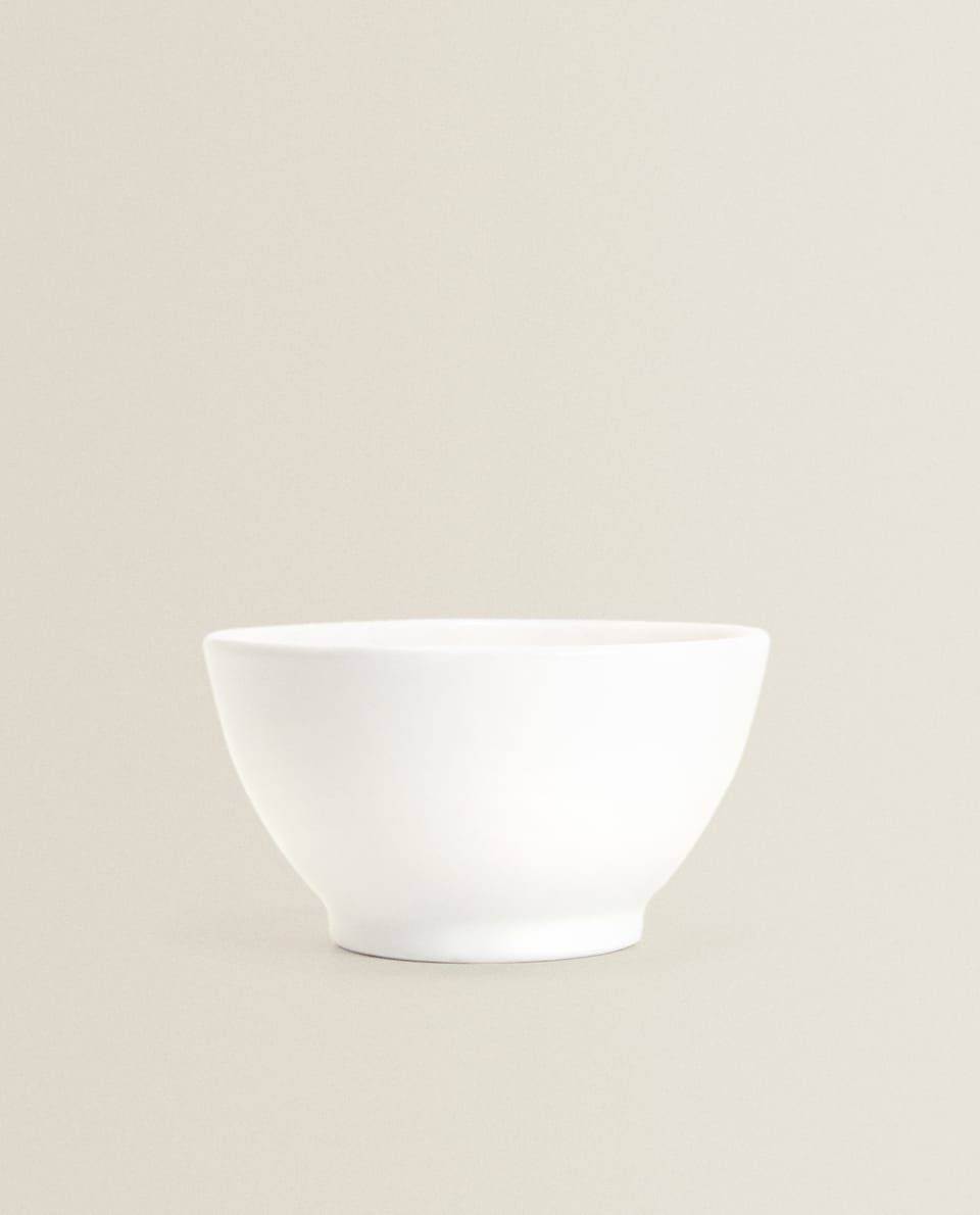 WHITE EARTHENWARE BOWL