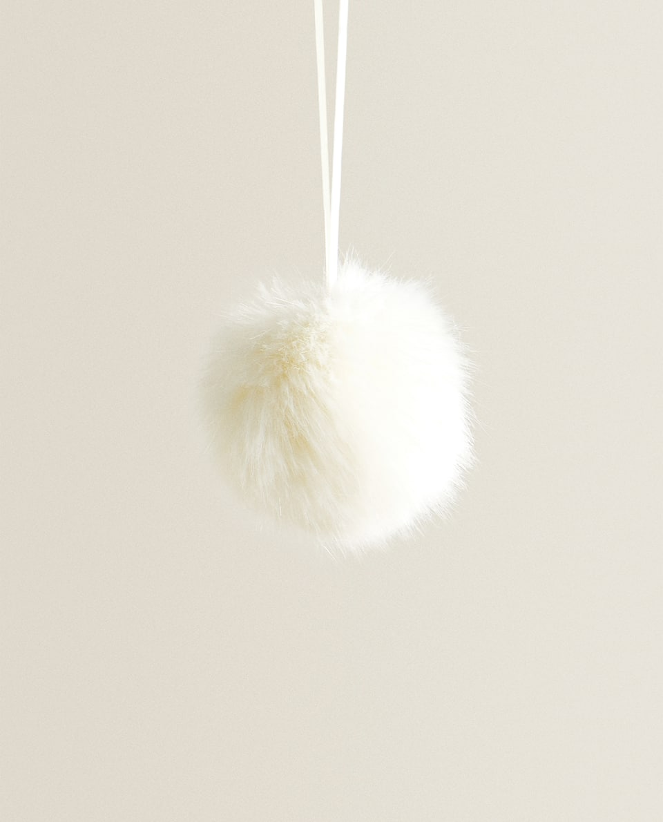 POMPOM BAUBLE