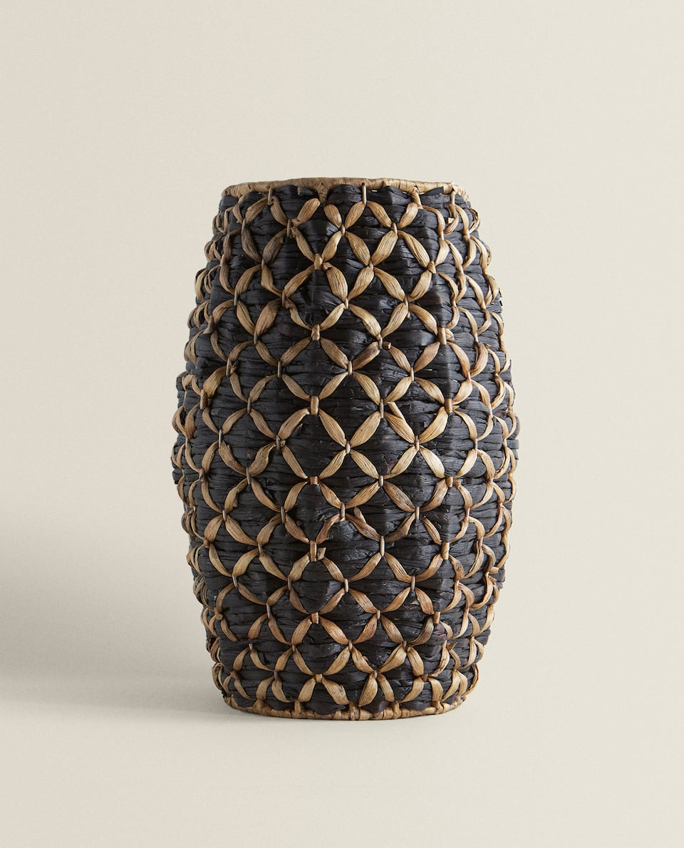 TALL TWO-TONE BASKET