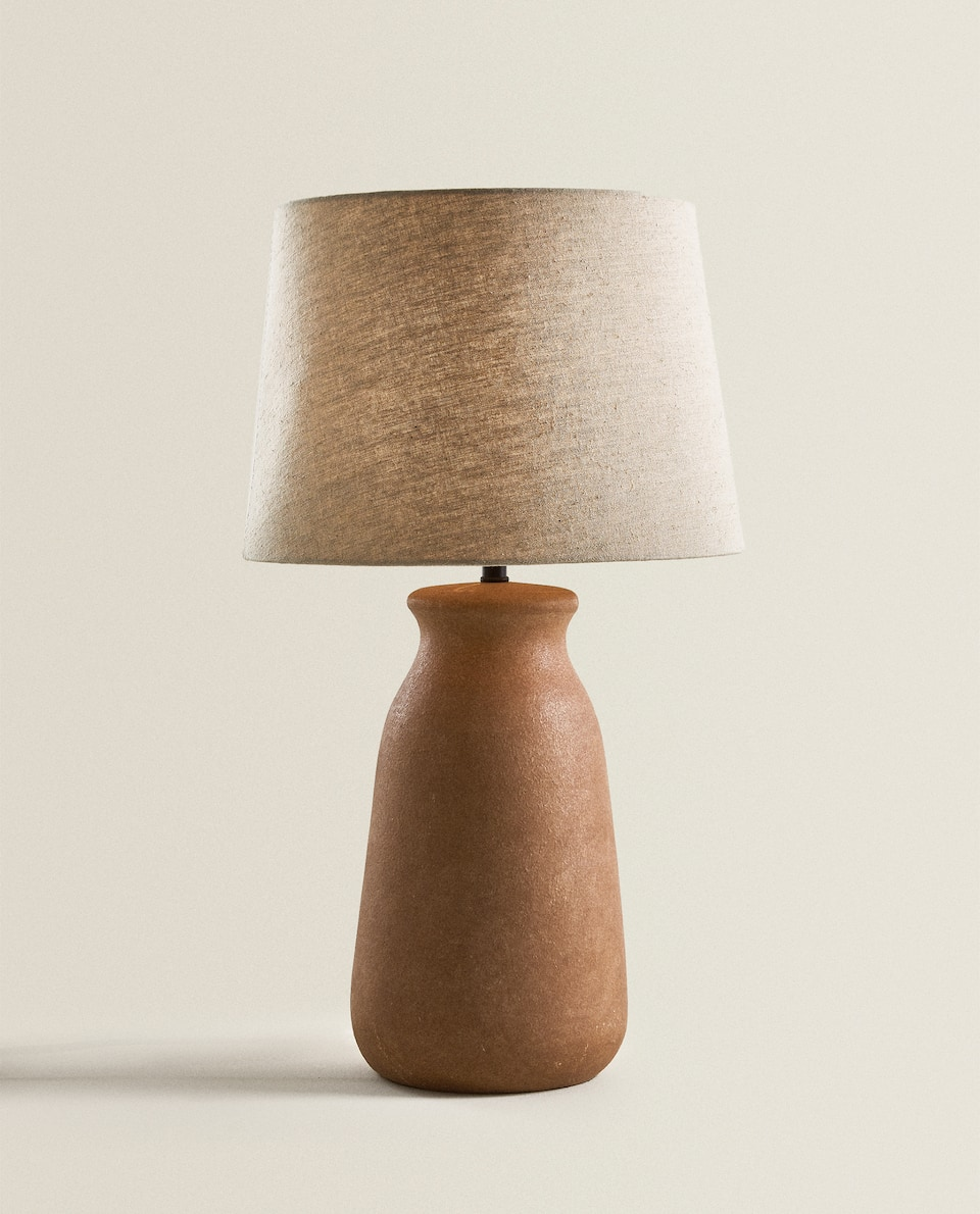 Lamp with clay base