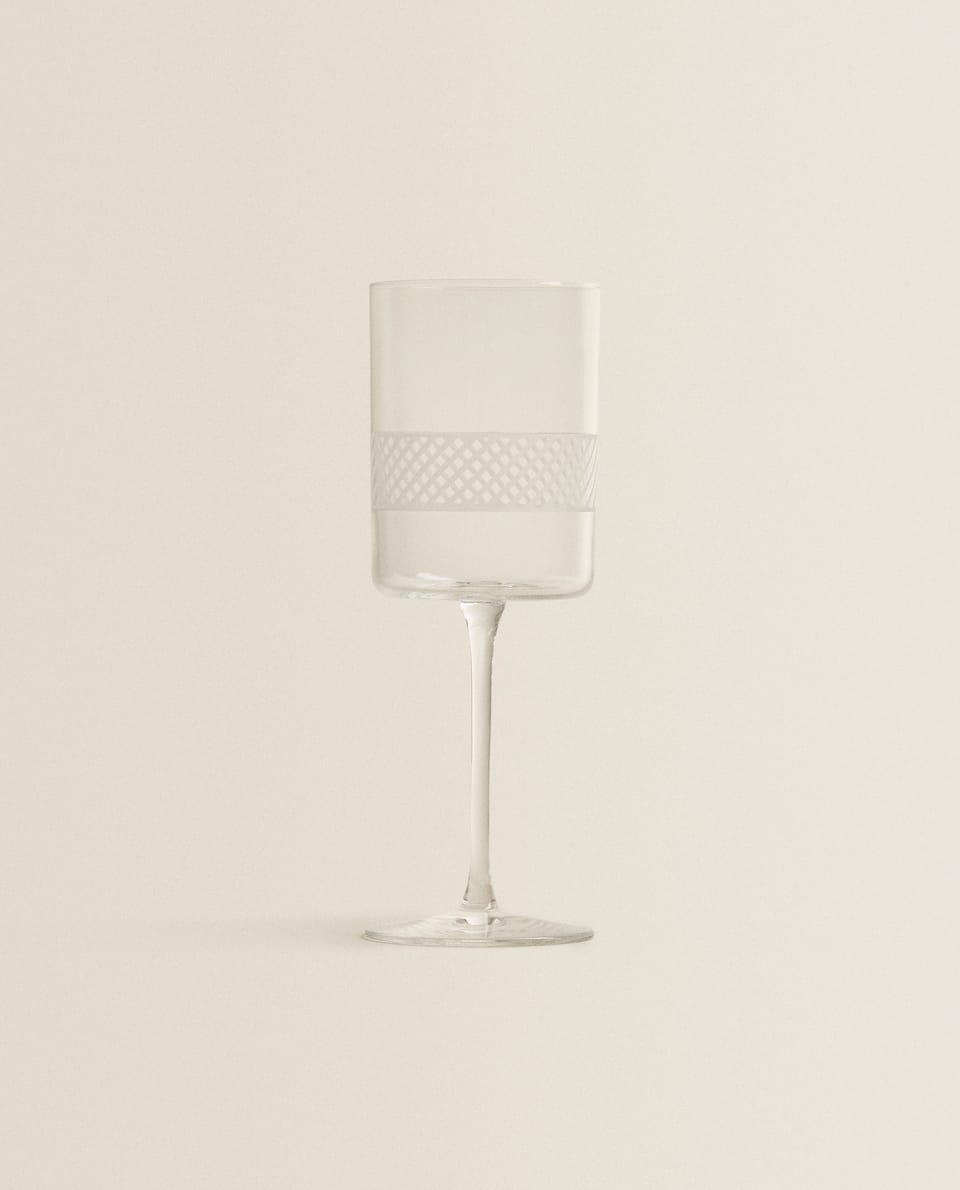 CRYSTALLINE WINE GLASS WITH STRIPED DESIGN
