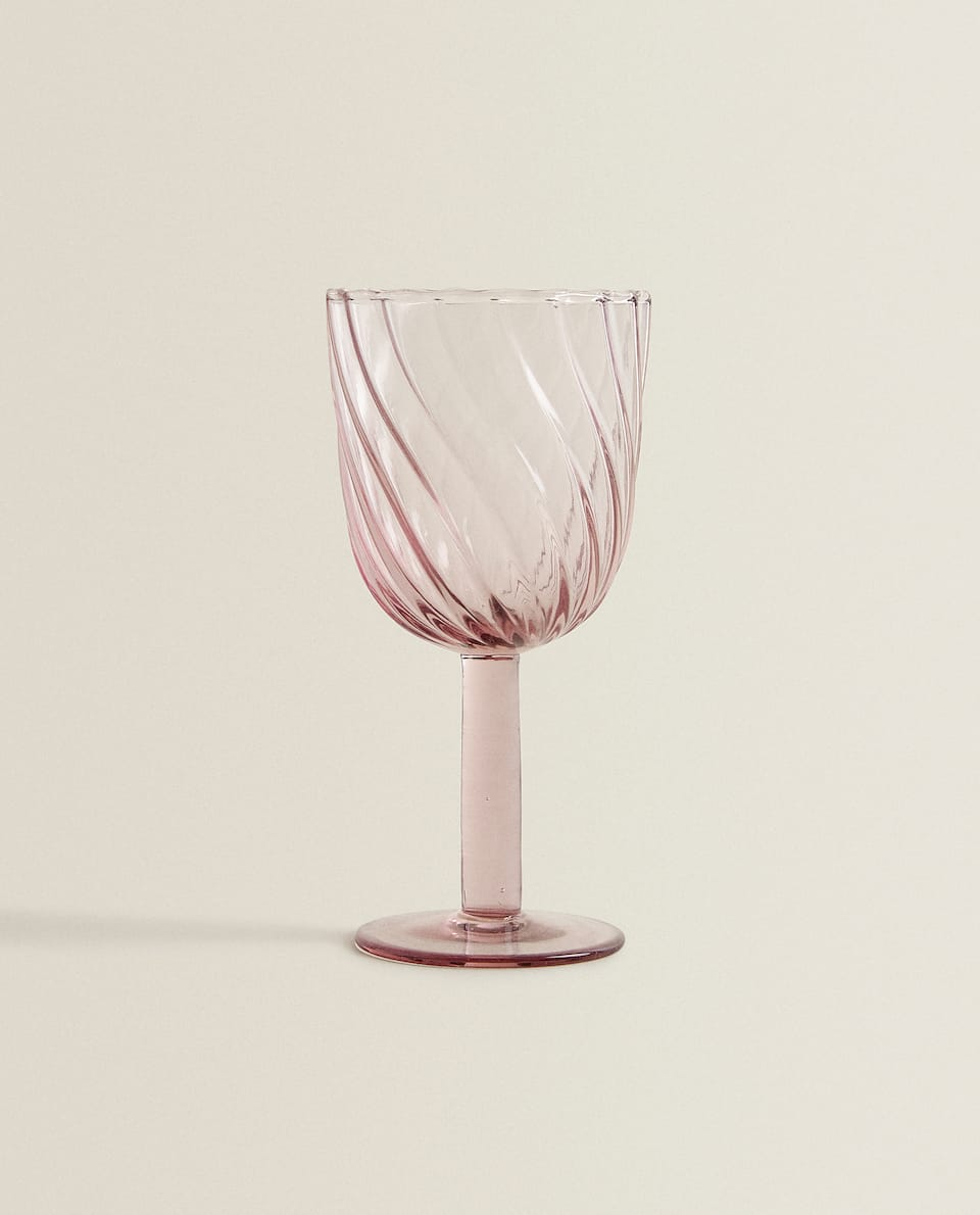 RAISED WAVE DESIGN WINE GLASS