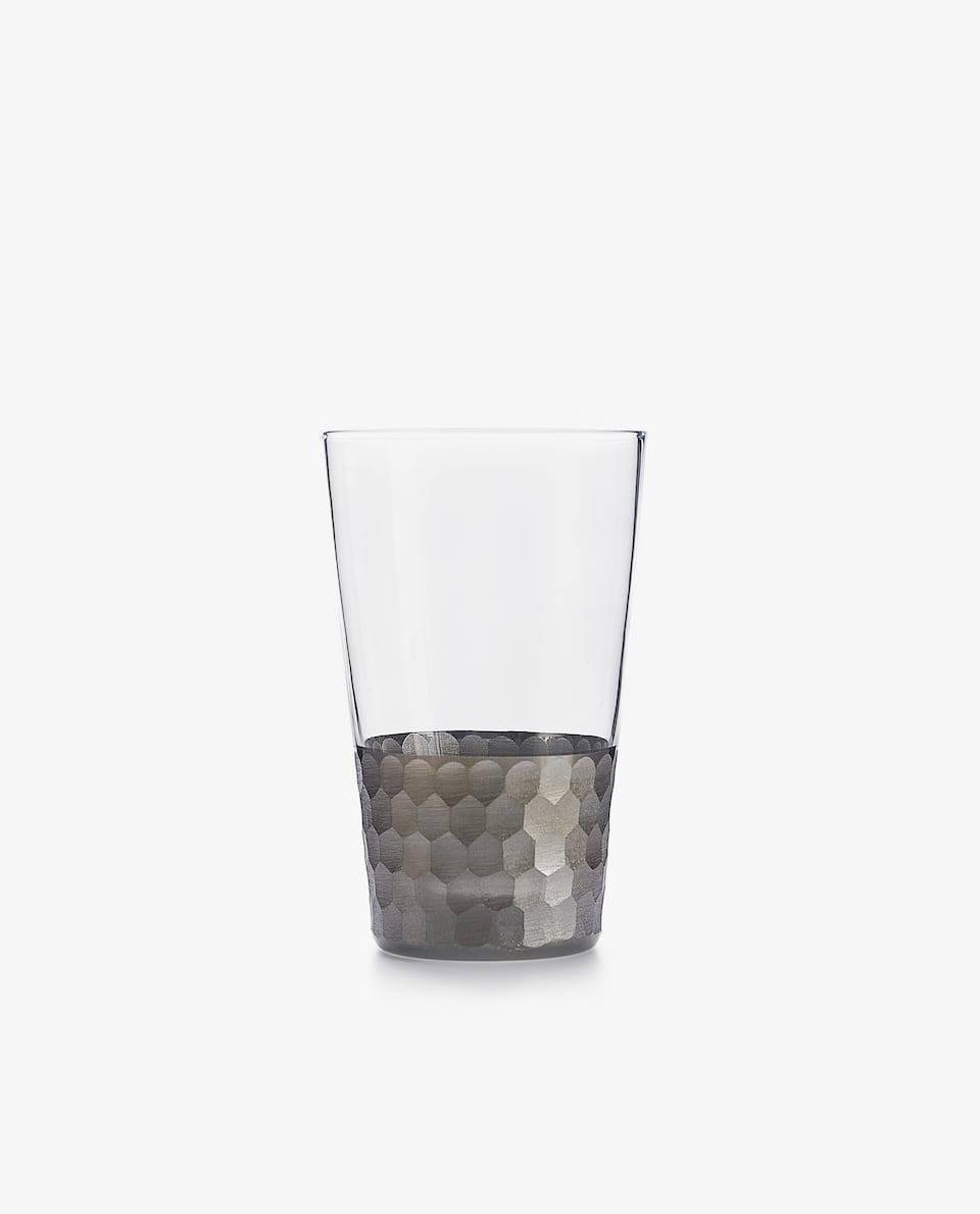 TUMBLER WITH SILVER BORDER