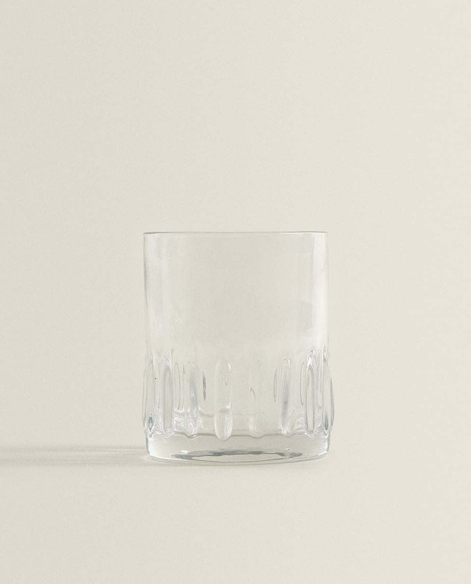 RAISED GEOMETRIC DESIGN GLASS TUMBLER