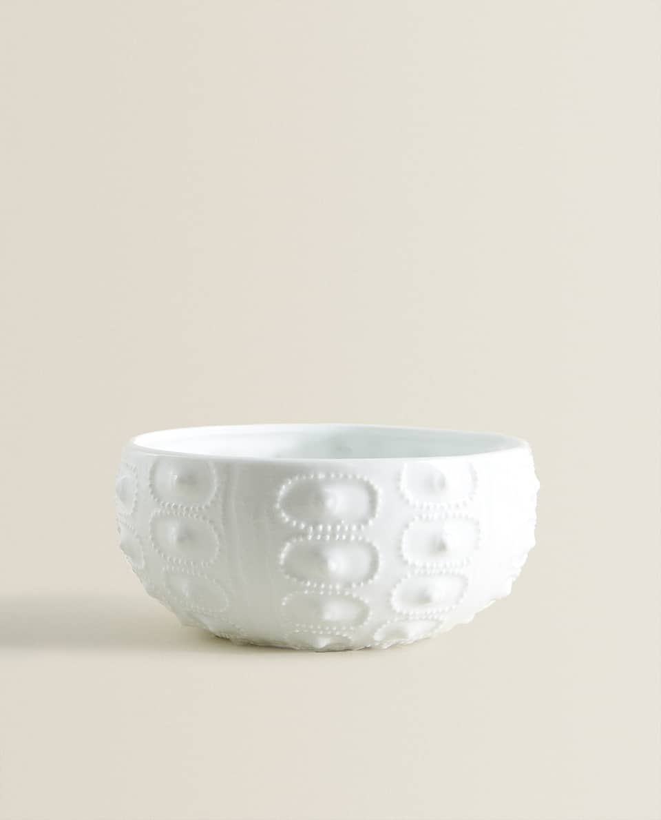 PORCELAIN BOWL WITH RAISED PATTERN