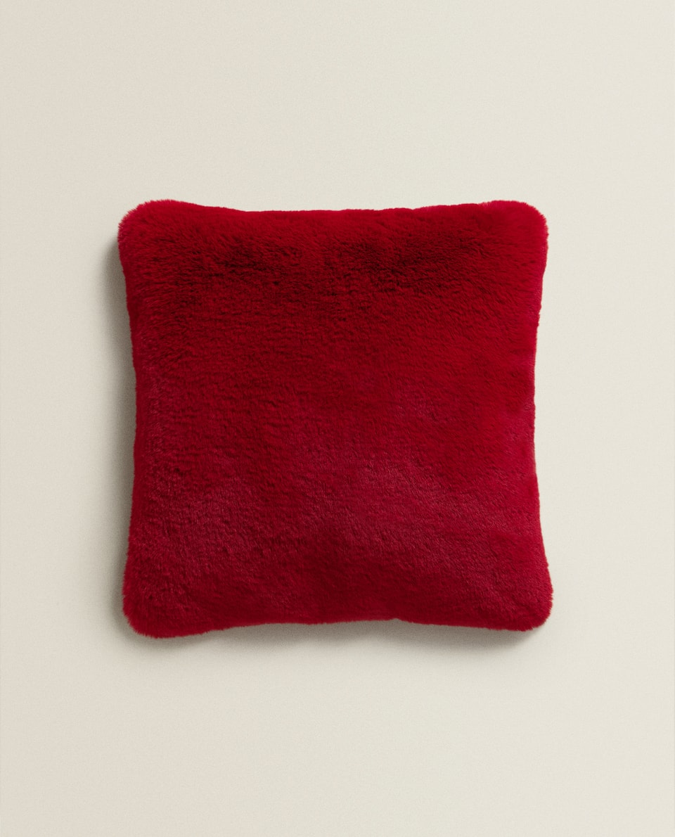 RED FUZZY CUSHION COVER
