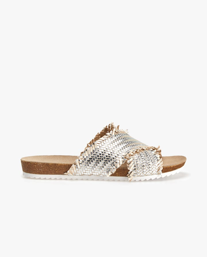 aa8b8f76f47826 GOLD CROSSOVER SANDALS