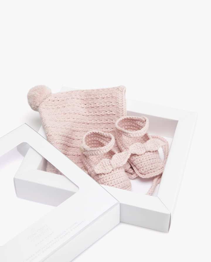 bb0c1a34149d1 CHUNKY KNIT HAT AND BOW DETAIL BOOTIES PACK