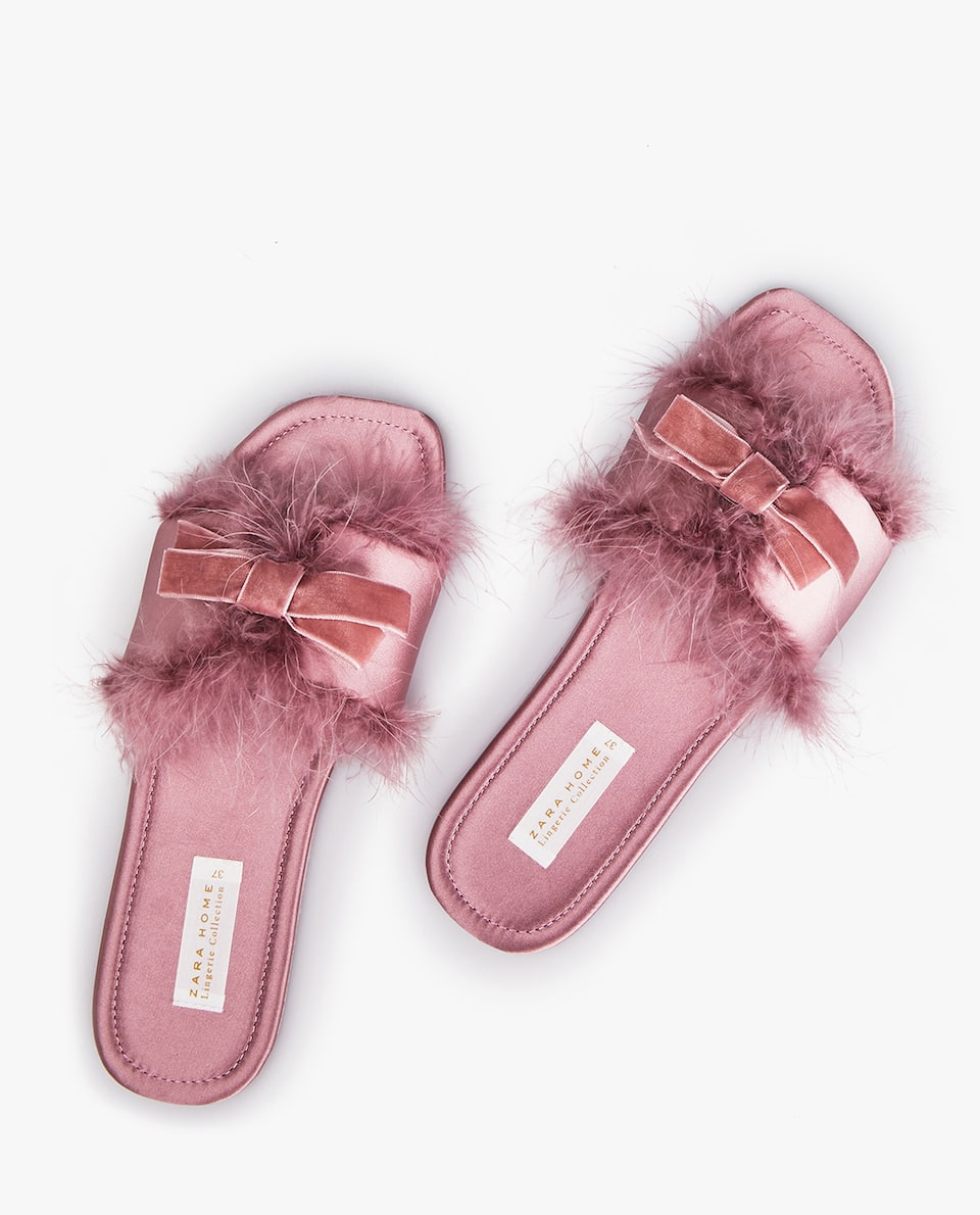 FEATHER SLIPPERS WITH BOW
