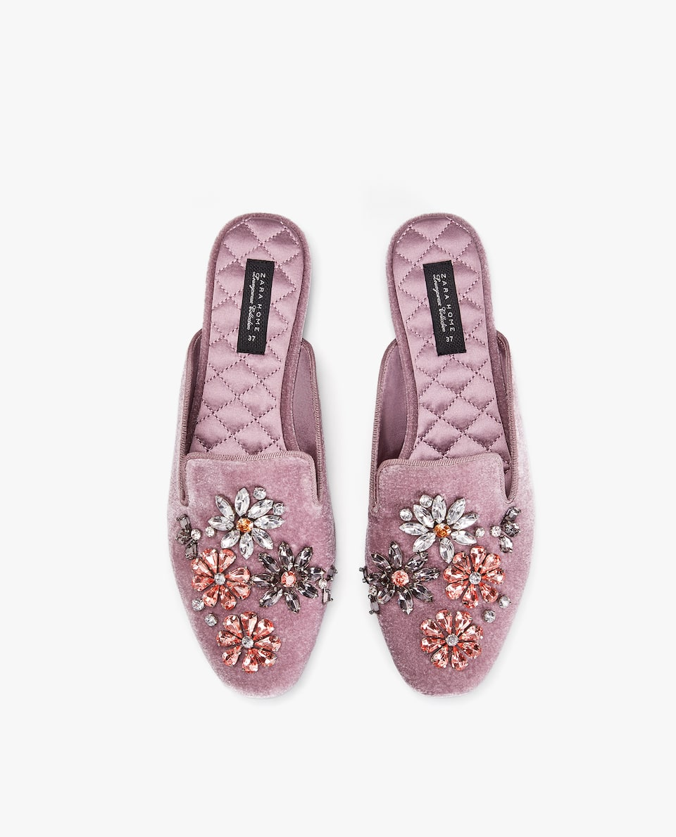 RHINESTONE FLOWER SLIPPERS