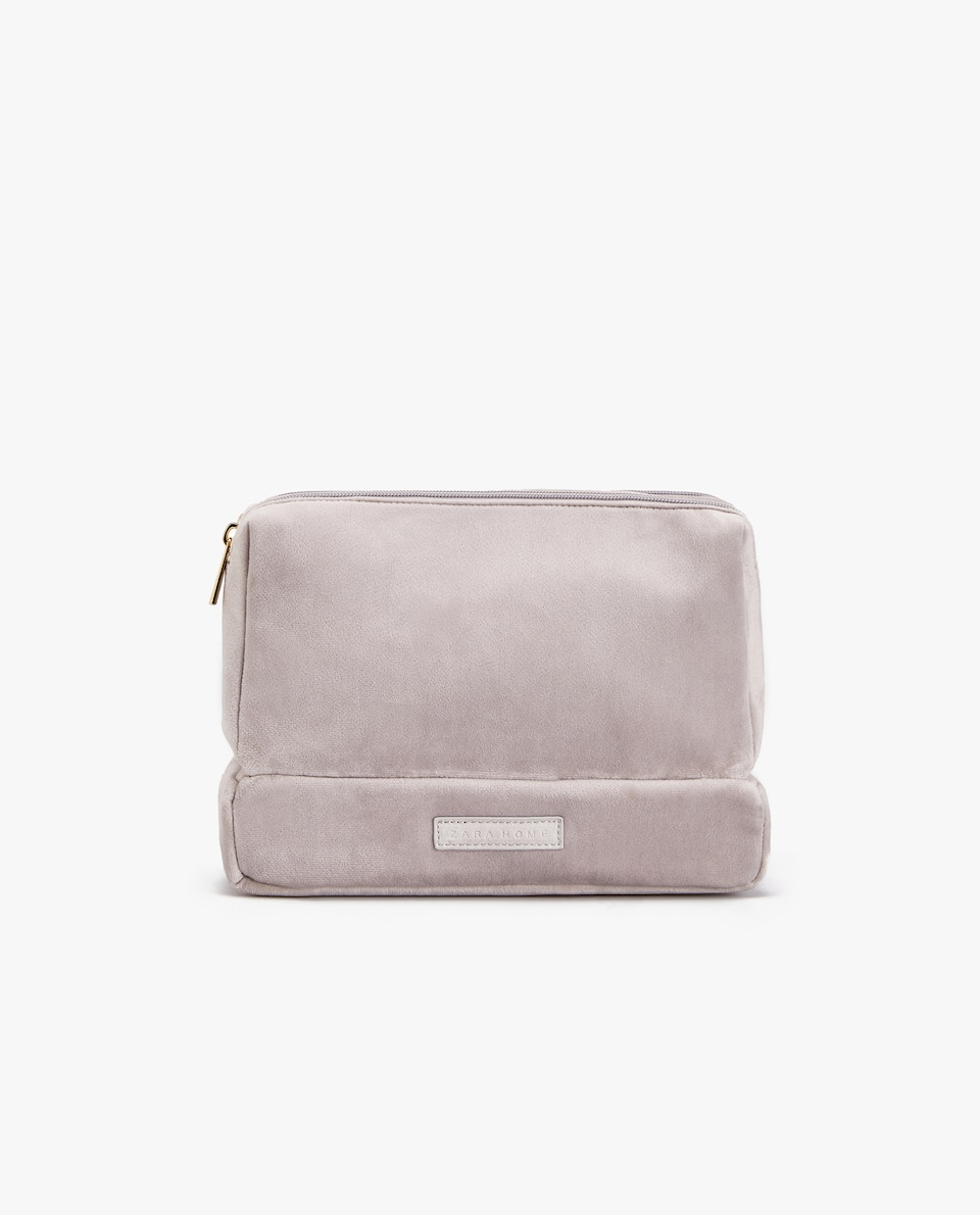 VELVET TRIPLE COMPARTMENT TOILETRY BAG