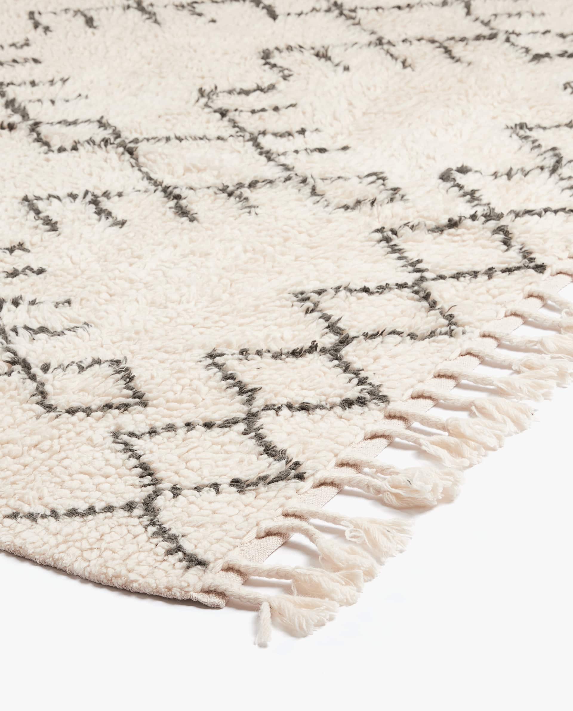 Large Wool Rug With Geometric Design
