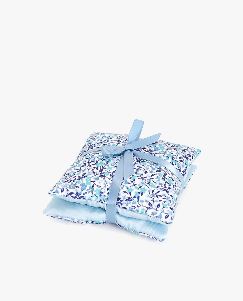 BLUE FLORAL PRINT SCENTED SACHET (PACK OF 2)
