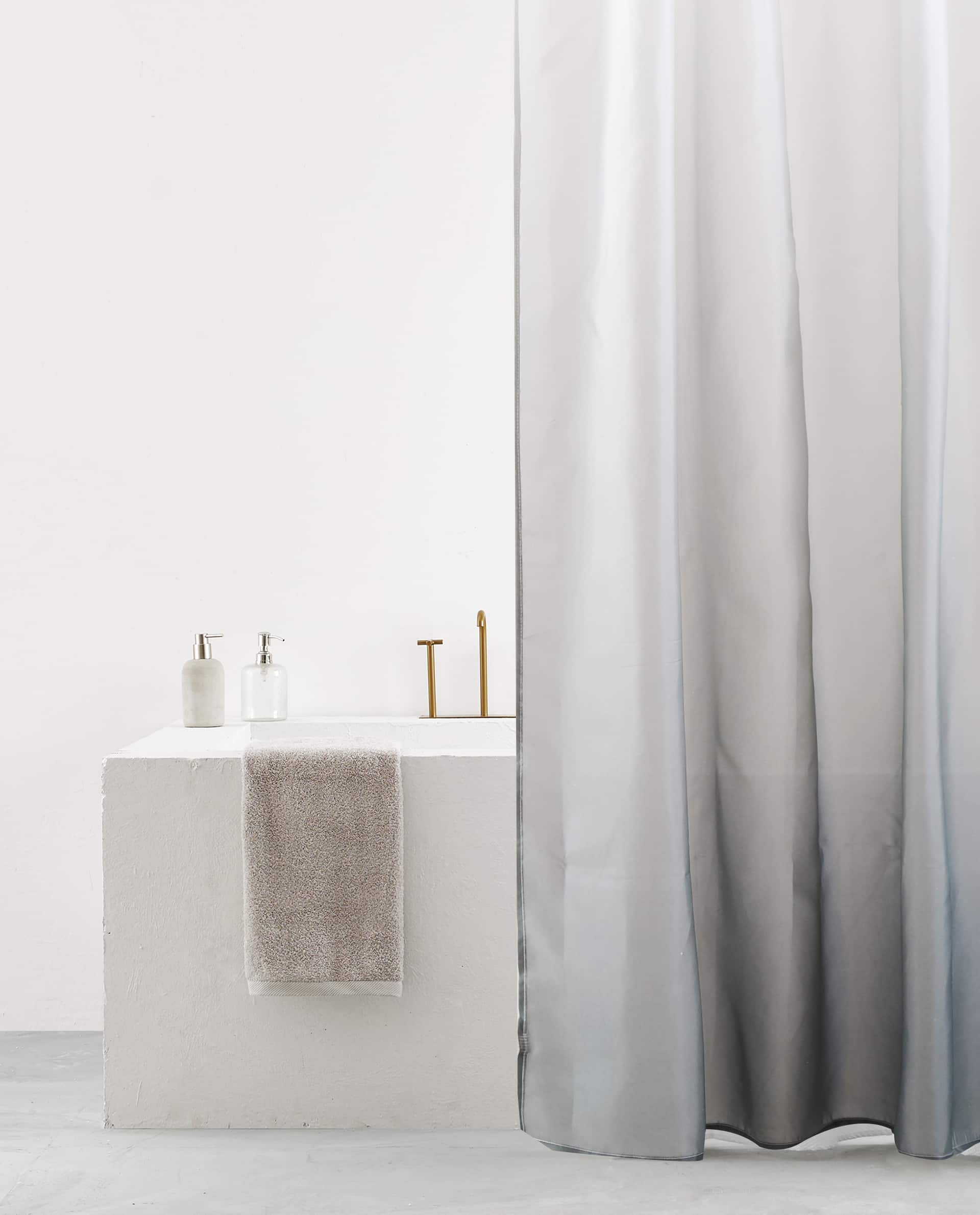 OMBRE EFFECT SHOWER CURTAIN