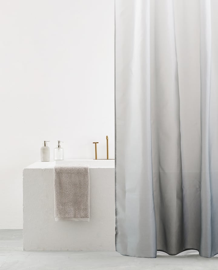 Image Of The Product OMBRE EFFECT SHOWER CURTAIN