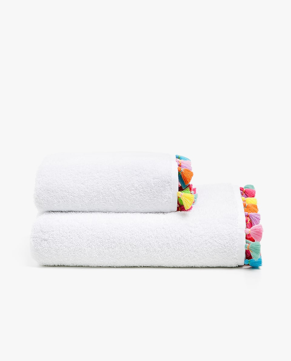 MULTICOLOURED TASSEL TOWEL