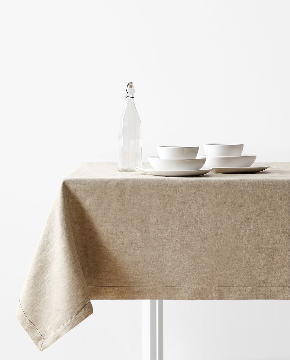 Basic linen tablecloth
