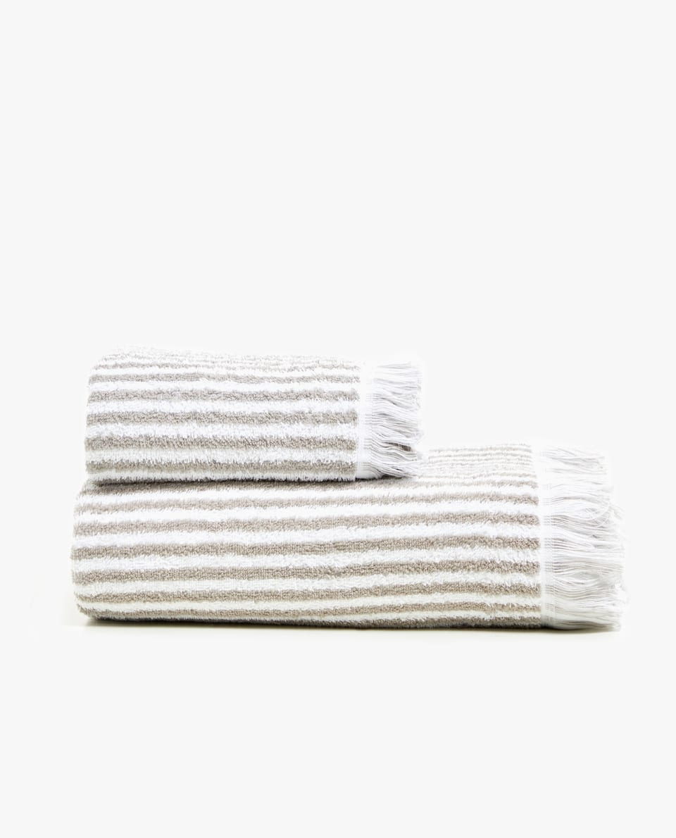 STRIPED TOWEL WITH FRINGING