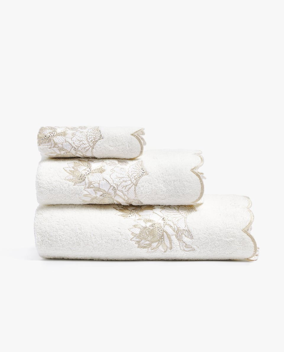 EMBROIDERED LOTUS FLOWER TOWEL