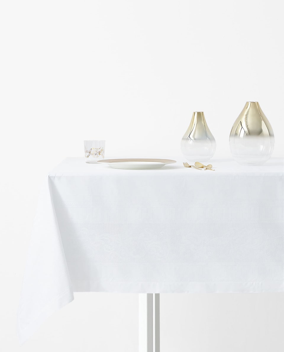 SATIN JACQUARD TABLECLOTH