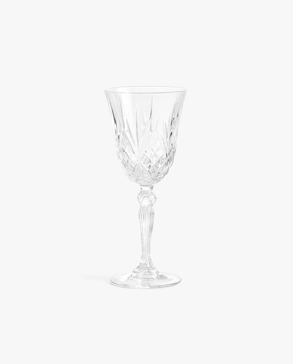 CUT CRYSTALLINE WINE GLASS