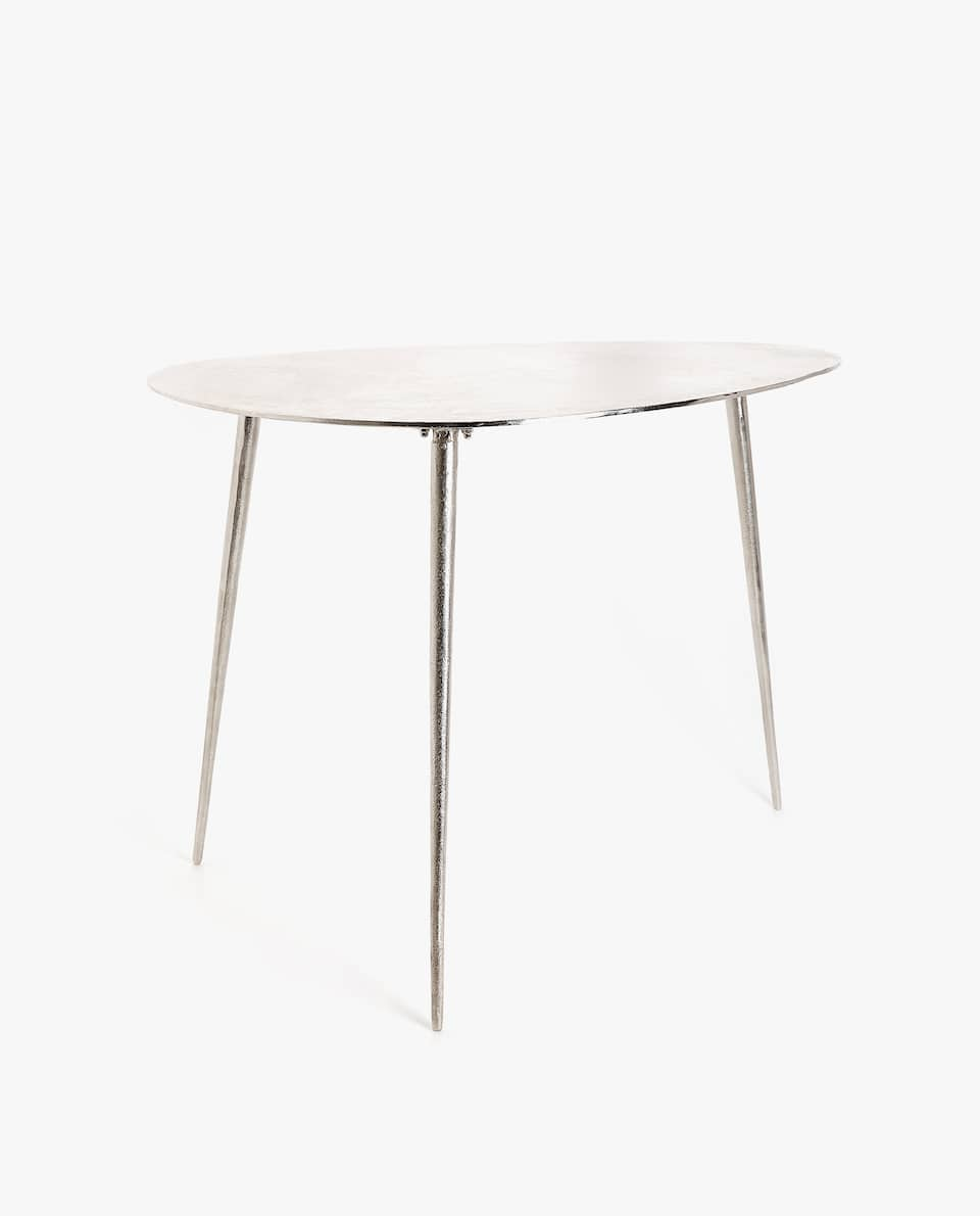 IRREGULAR HIGH TABLE