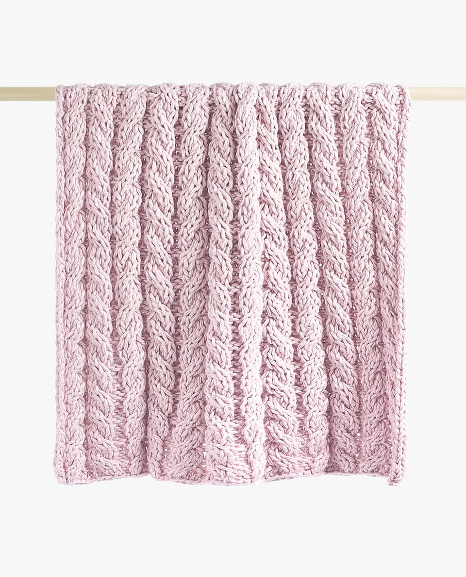 LILAC CHUNKY KNIT BLANKET