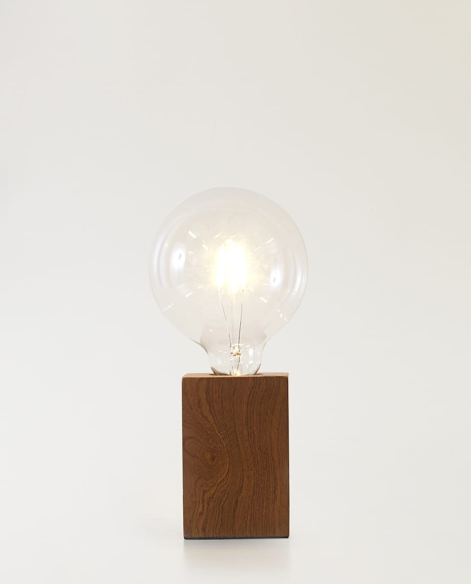 LIGHT BULB LAMP WITH WOODEN BASE