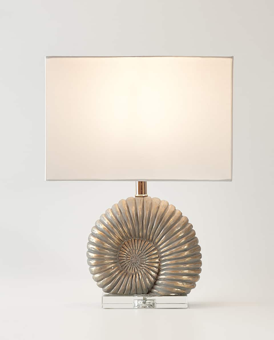 LAMPE MIT FOSSILIE