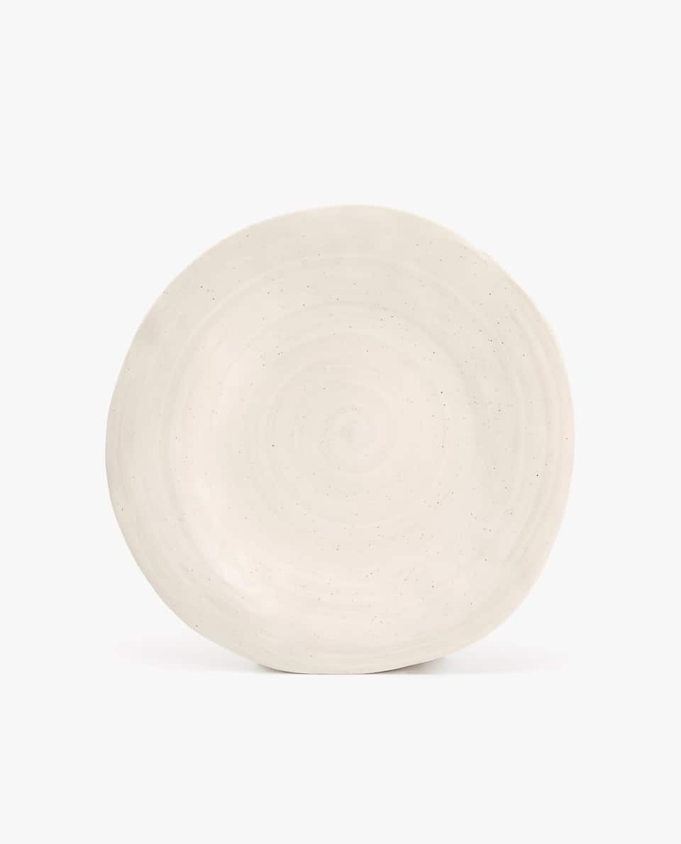 IRREGULAR-SHAPED EARTHENWARE DINNER PLATE