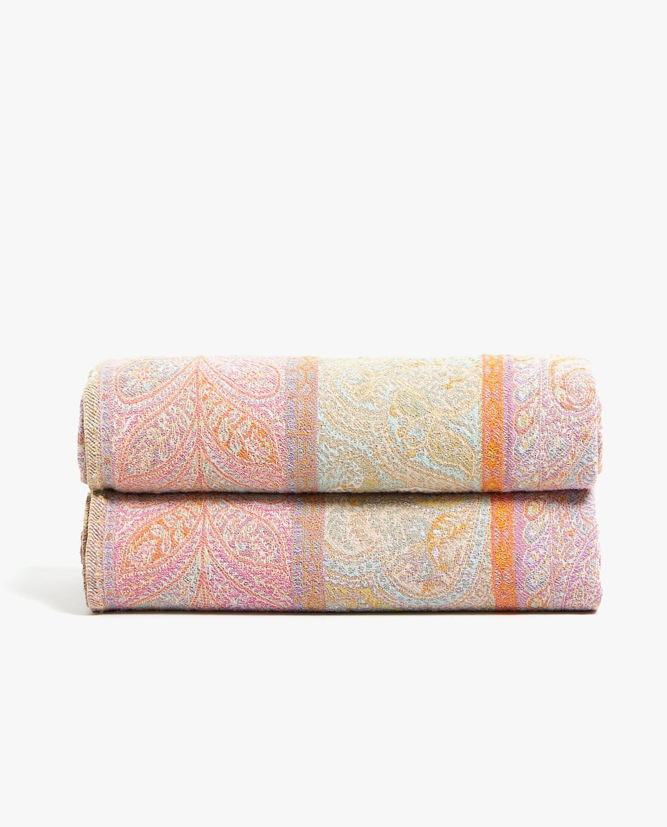PAISLEY DESIGN BLANKET
