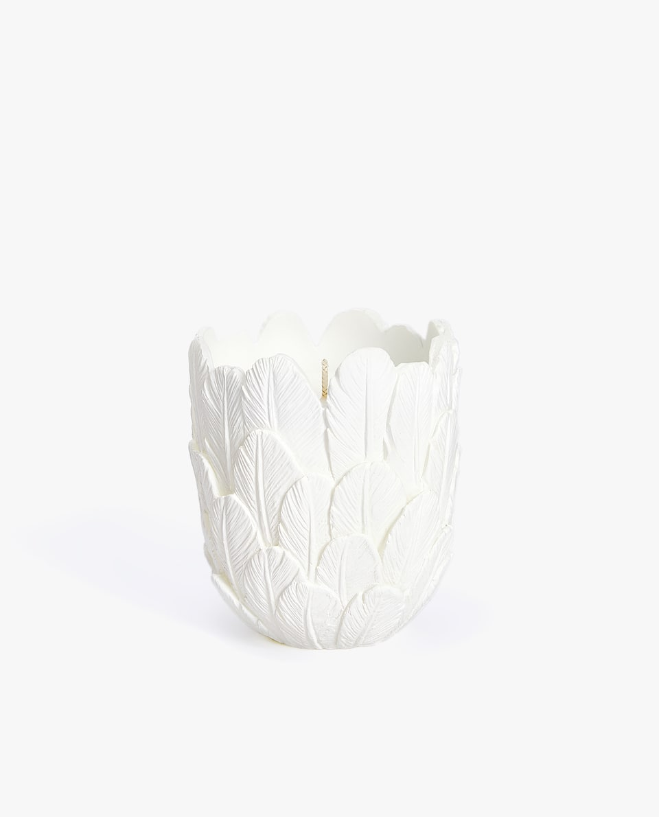 FEATHER-SHAPED CANDLE HOLDER