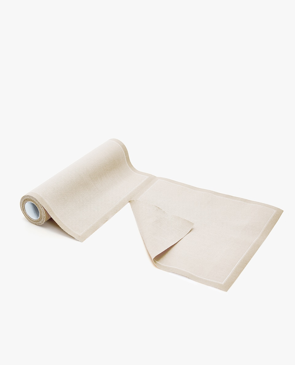 PRE-CUT NAPKIN (ROLL OF 20)