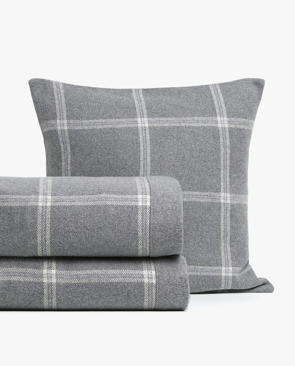 CHECKED FLANNEL BEDSPREAD