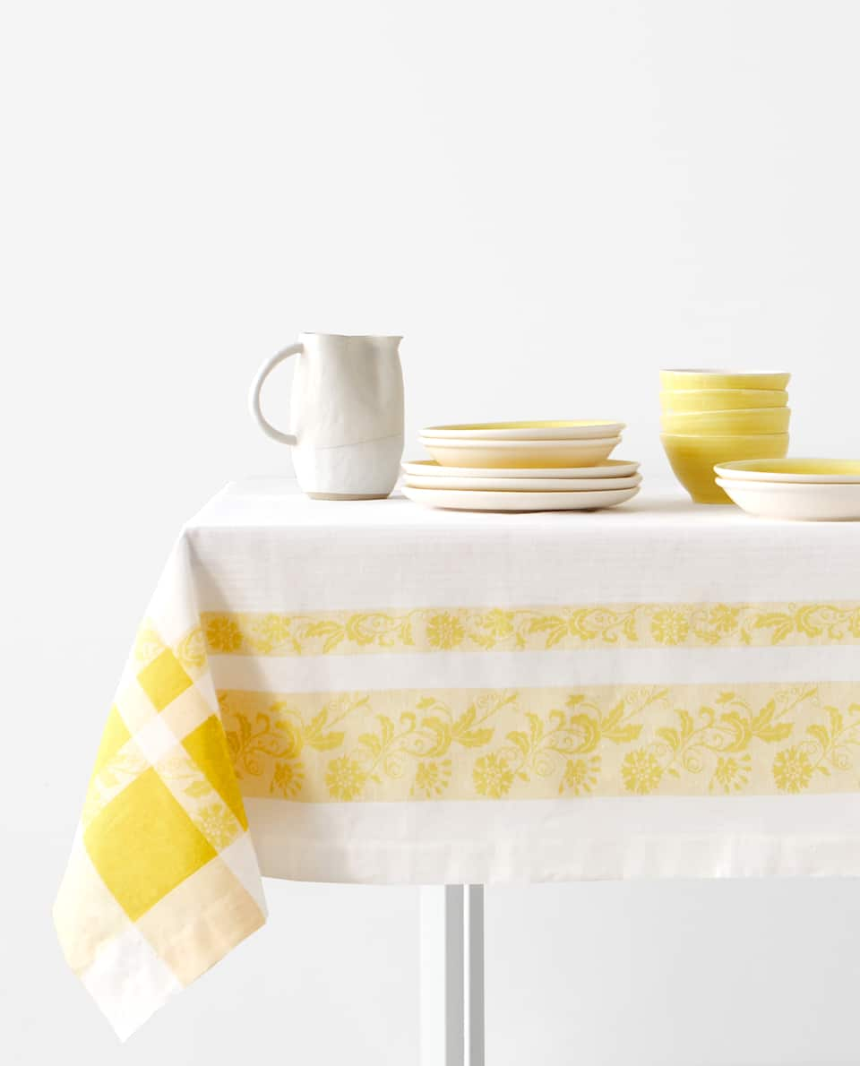 LINEN JACQUARD TABLECLOTH