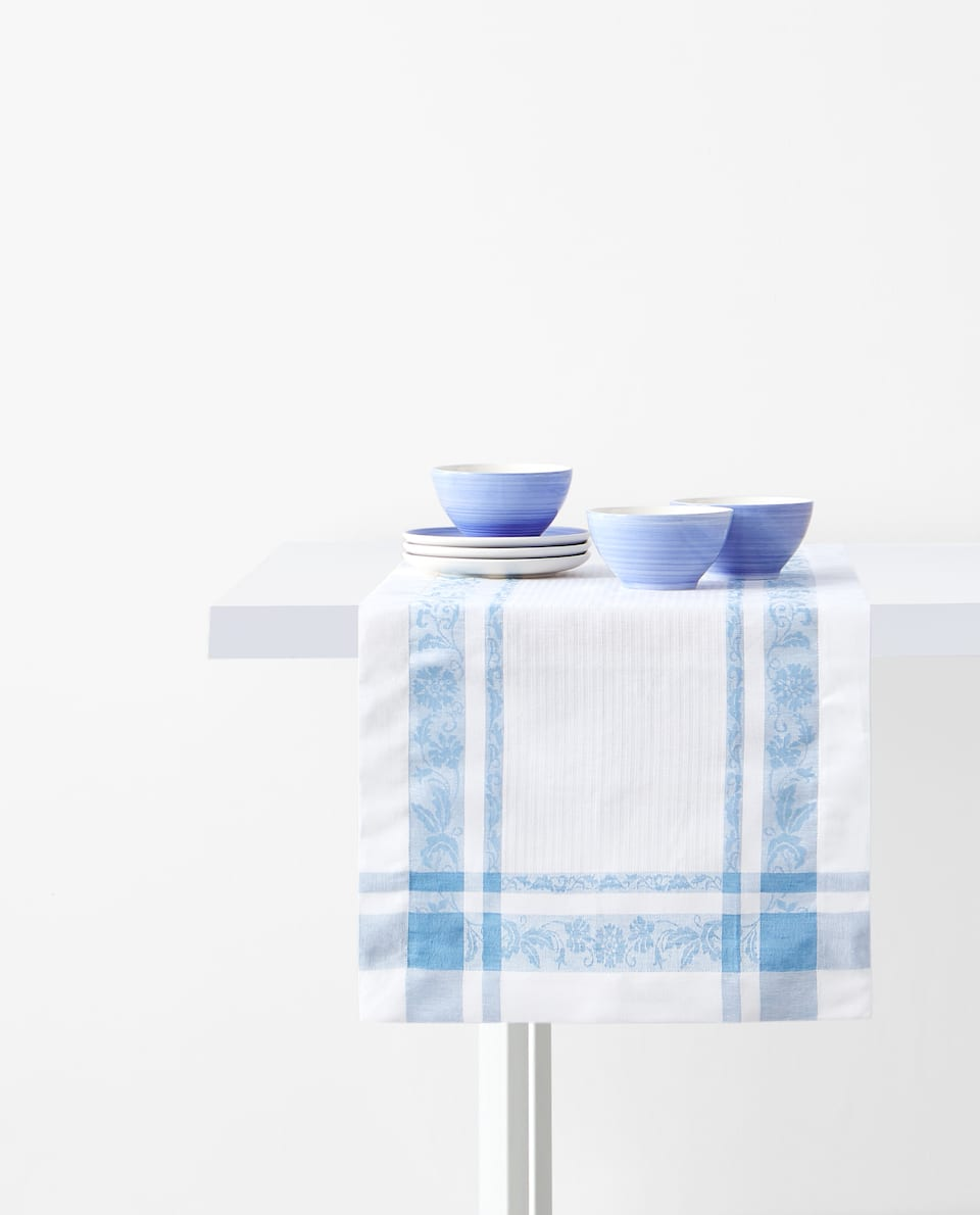 JACQUARD LINEN AND COTTON TABLE RUNNER