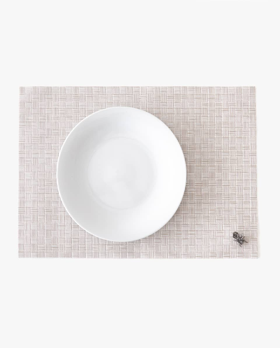 INSECT DETAIL PLACEMAT (PACK OF 2)