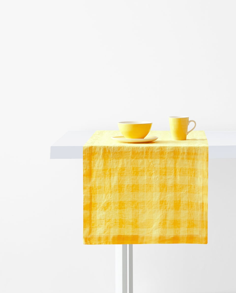 GINGHAM CHECK WASHED LINEN TABLE RUNNER