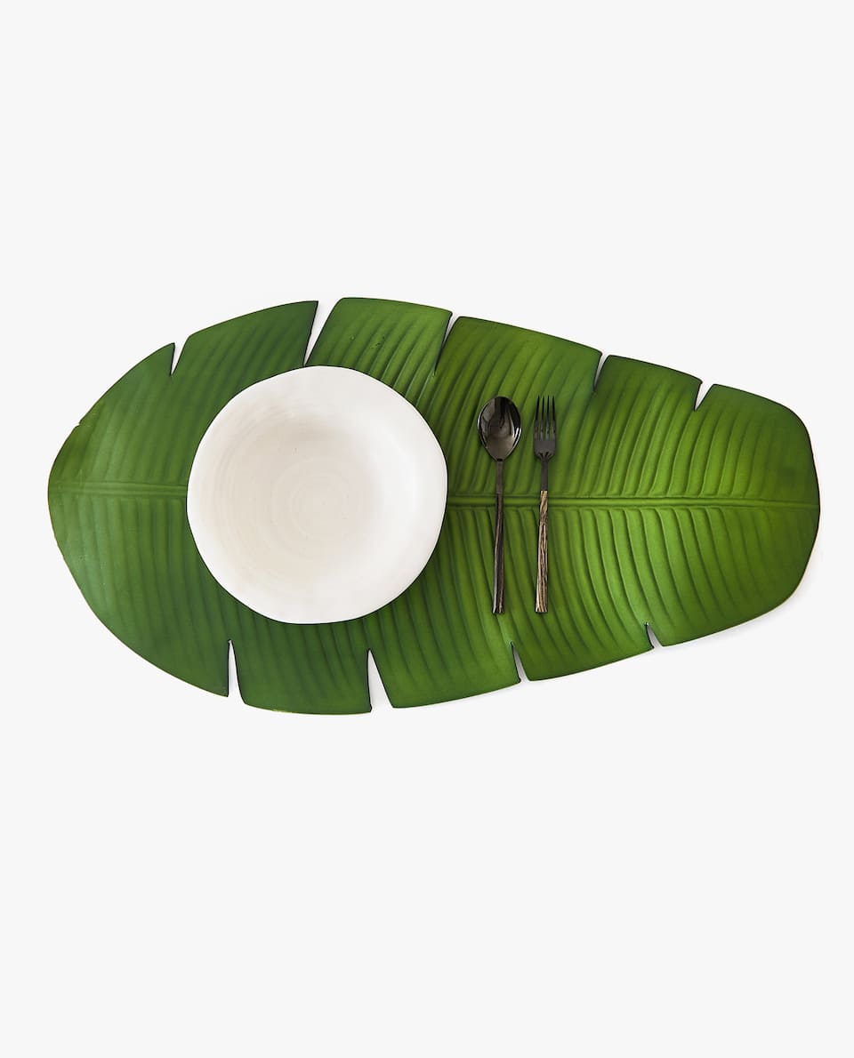 LEAF-SHAPED TABLE RUNNER/PLACEMAT