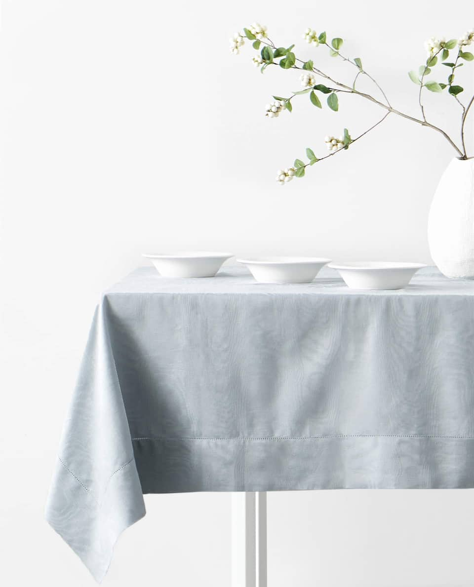 JACQUARD WOOD GRAIN TABLECLOTH