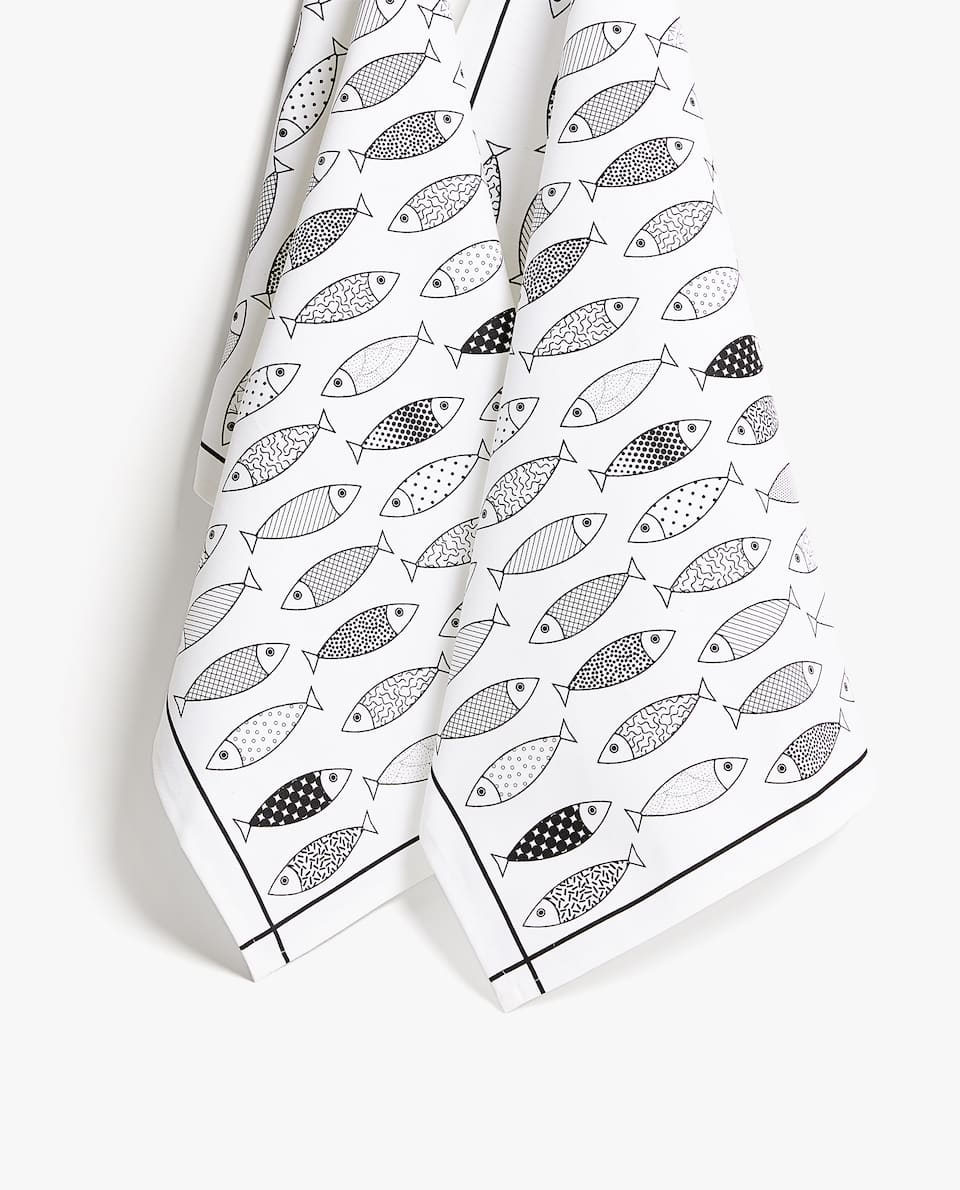 COTTON FISH PRINT TEA TOWEL (PACK OF 2)